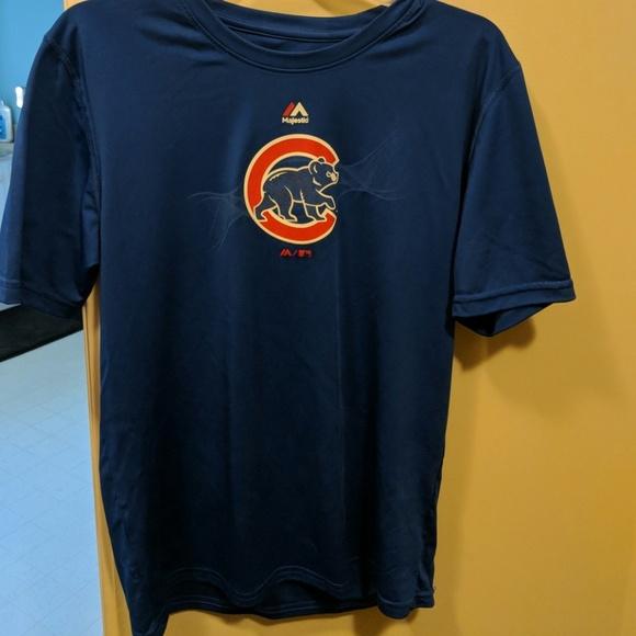 best website 94e34 394bb Chicago Cubs women's XL T shirt